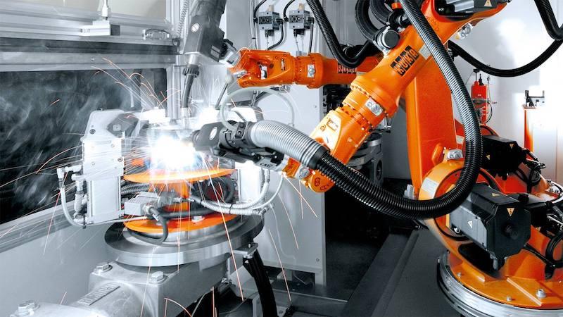 KUKA KR CYBERTECH nano ARC welding