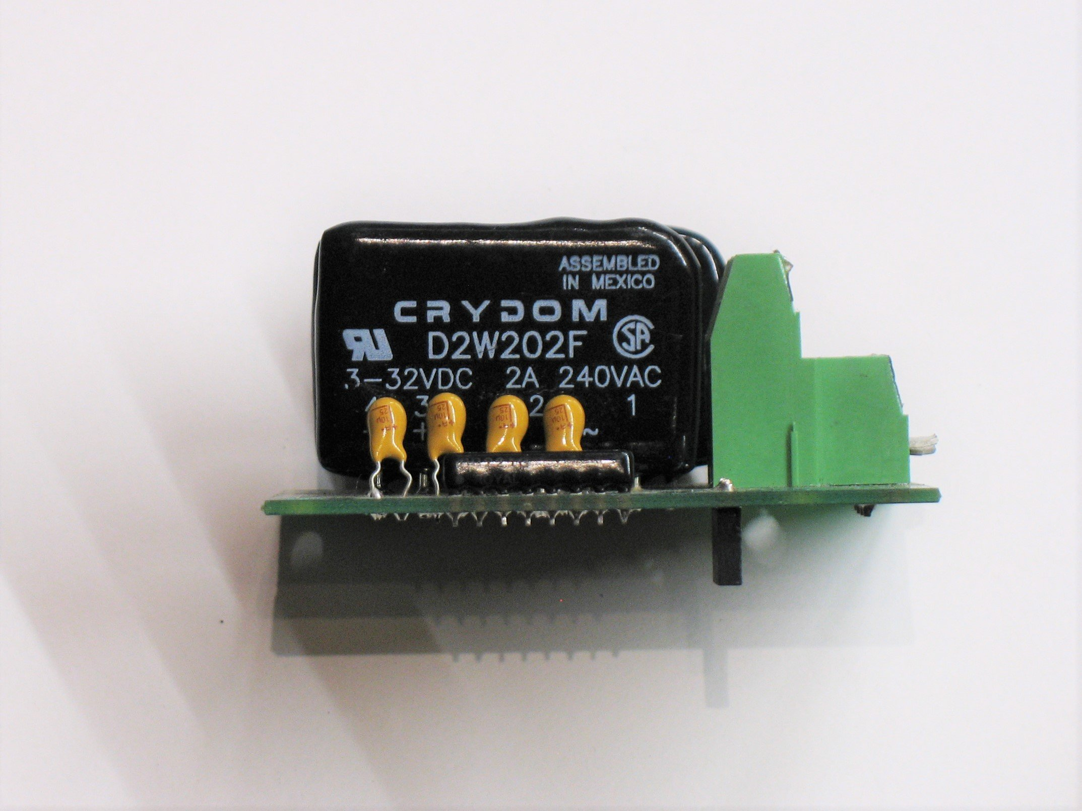 solid state relay with a single in-line package PCB mount