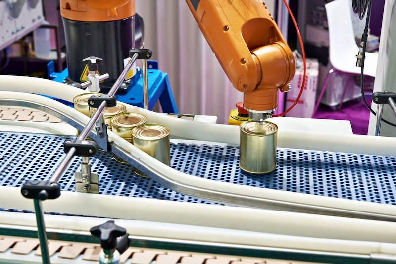 robot working on a conveyor belt